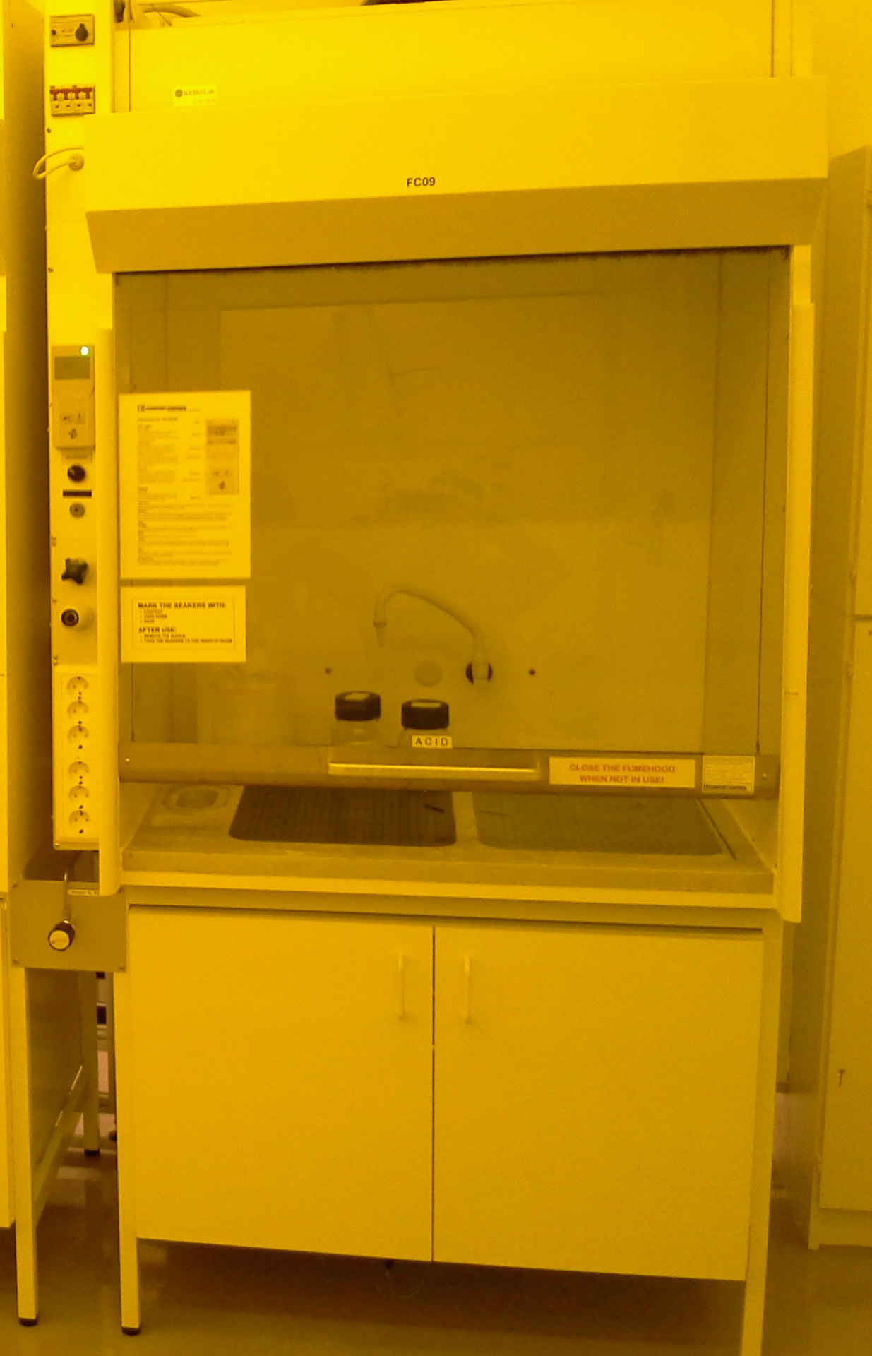 Picture of Fume hood – acids